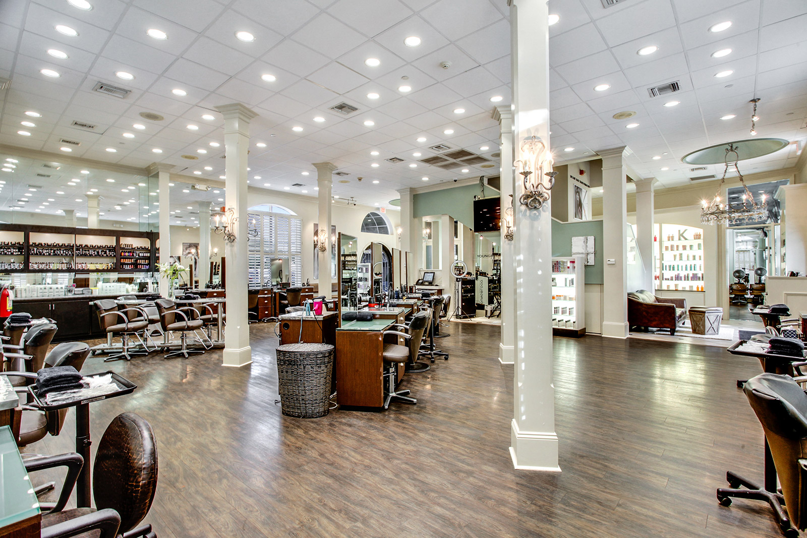 Salon (no people)